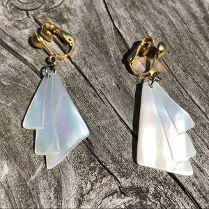 🆕List! Mother of Pearl Shell Earrings! VTG!